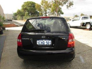 2006 Kia Cerato EX Wagon.