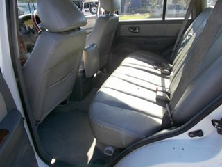2004 Hyundai Terracan Highlander Wagon.