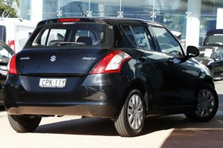 2013 Suzuki Swift GL Hatchback.