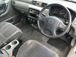 1999 Honda CR-V (4x4) Wagon.