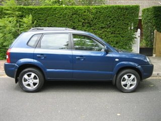 2006 Hyundai Tucson City Wagon.