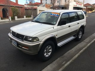 1998 Mitsubishi Challenger (4x4) Wagon.