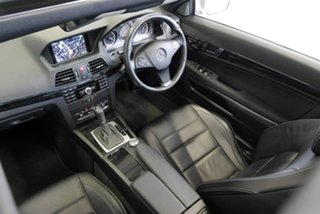 2009 Mercedes-Benz E250 CGI Avantgarde Coupe.