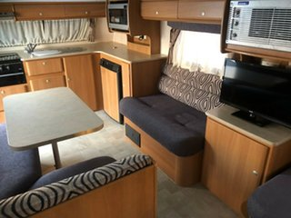 2009 Jayco Discovery Pop Top.