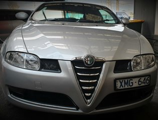 2008 Alfa Romeo GT JTS Coupe.