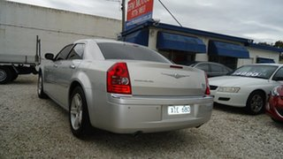 2008 Chrysler 300C HEMI Sedan.