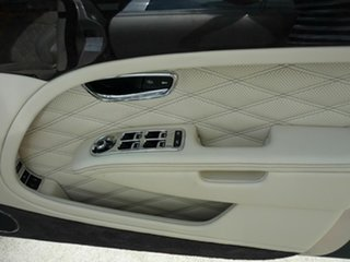 2018 Bentley Mulsanne (5 Seat) Sedan.