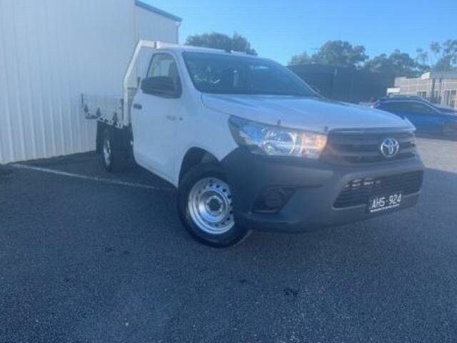 Used Toyota Hilux Workmate, Wangaratta, 2015 Toyota Hilux Workmate Cab Chassis