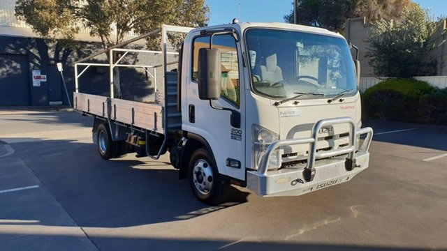 Used Isuzu NPR 200 Medium, Melrose Park, 2014 Isuzu NPR 200 Medium Cab Chassis