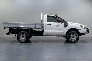 2013 Ford Ranger XL 3.2 (4x4) Cab Chassis.