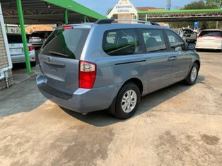 2012 Kia Grand Carnival 8 seater Wagon.
