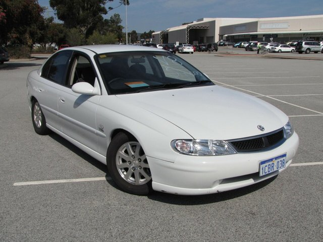 Used Holden Berlina, Maddington, 2001 Holden Berlina Sedan