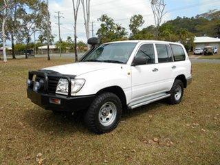 2006 Toyota Landcruiser (4x4) Wagon.