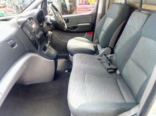 2010 Hyundai iLOAD Van.