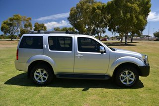 2007 Nissan Pathfinder ST-L (4x4) Wagon.