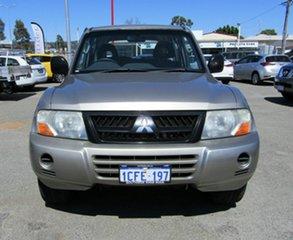 2006 Mitsubishi Pajero GLX Wagon.