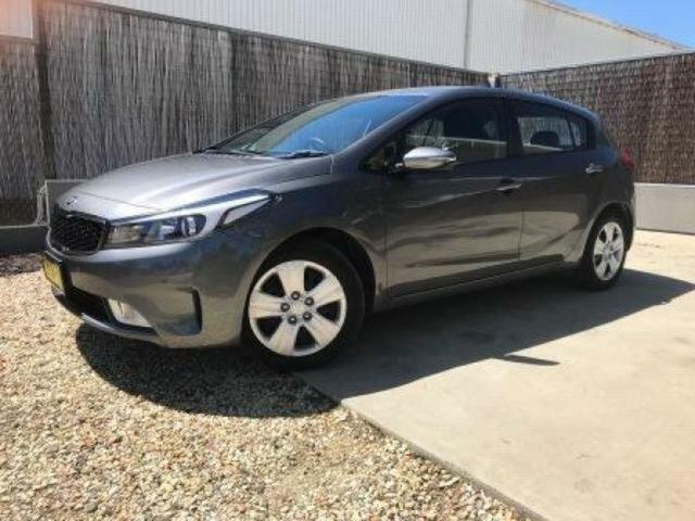 Used Kia Cerato S, Wangaratta, 2017 Kia Cerato S Hatchback