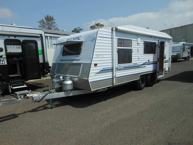 Discounted Used Olympic Champion, Pialba, 2005 Olympic Champion Caravan