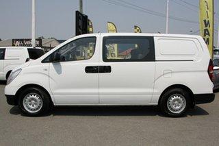 2014 Hyundai iLOAD Crew Cab Van.