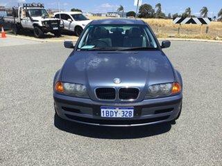 2001 BMW 318i Sedan.