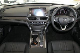 2019 Honda Accord VTi-LX Sedan.