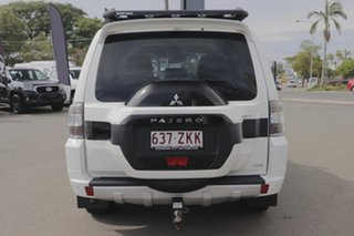 2015 Mitsubishi Pajero GLS Wagon.