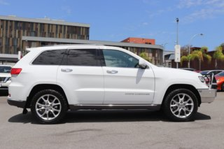 2015 Jeep Grand Cherokee Summit Wagon.