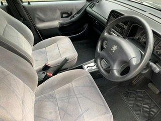 2000 Peugeot 306 XT Sedan.