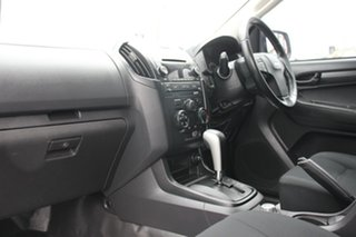 2015 Isuzu D-MAX SX Cab Chassis.