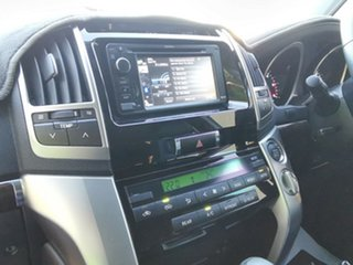 2015 Toyota Landcruiser VX Wagon.