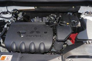 2018 Mitsubishi Outlander ES 2WD Wagon.