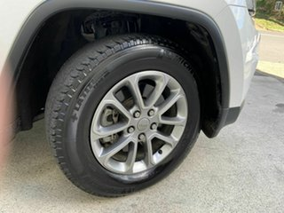 2014 Jeep Grand Cherokee Laredo (4x2) Wagon.
