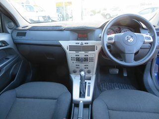 2007 Holden Astra CD Hatchback.