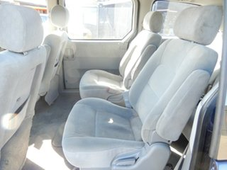 2004 Kia Carnival LS Wagon.