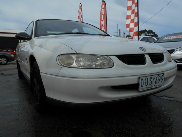 Discounted Used Holden Commodore Executive, Werribee, 1998 Holden Commodore Executive Sedan