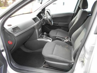 2006 Holden Astra CD Hatchback.