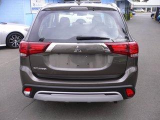 2019 Mitsubishi Outlander ES AWD Wagon.