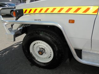 2005 Toyota Landcruiser Cab Chassis.