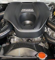 2015 Isuzu D-MAX SX 4x2 High Ride Cab Chassis.