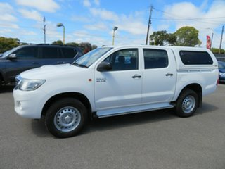 2014 Toyota Hilux SR (4x4) Dual Cab Chassis.