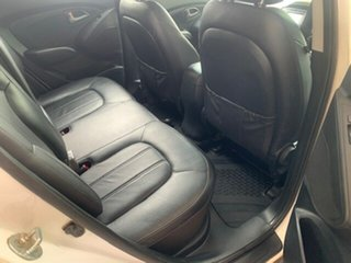 2015 Hyundai ix35 Series 2 SE Wagon.
