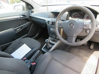 2006 Holden Astra CD Coupe.