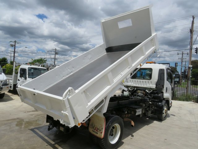 Used Isuzu FRR 205 HP, Thomastown, 2016 Isuzu FRR 205 HP Tipper