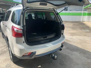 2016 Isuzu MU-X LST 7 seater Wagon.