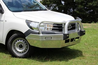 2015 Toyota Hilux Workmate 4x2 Cab Chassis.