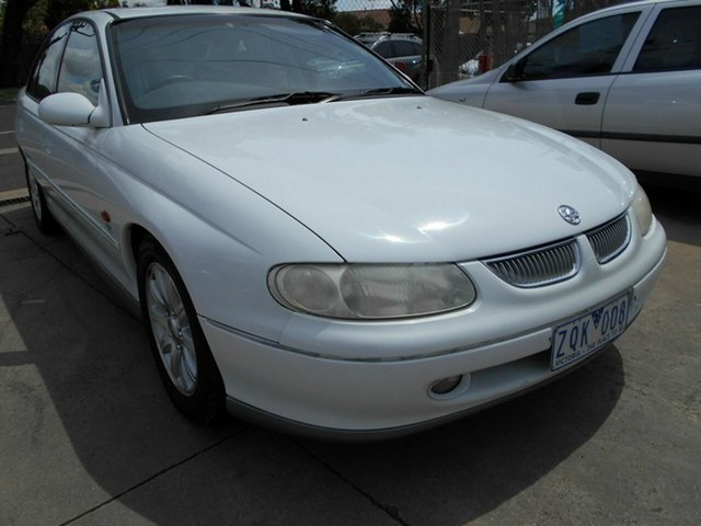 Discounted Used Holden Calais, Werribee, 1998 Holden Calais Sedan