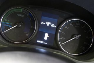 2020 Mitsubishi Outlander PHEV AWD Exceed Wagon.