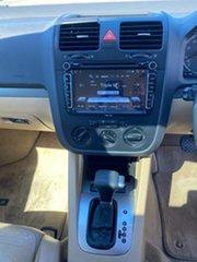2006 Volkswagen Golf 2.0 FSI Comfortline Hatchback.