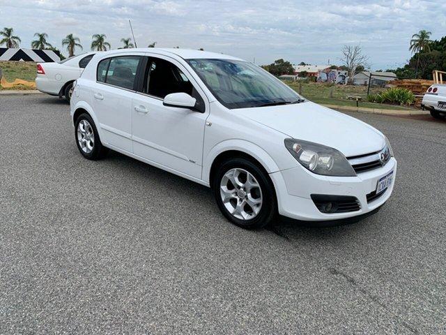 Used Holden Astra CDX, Wangara, 2006 Holden Astra CDX Hatchback