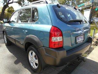2005 Hyundai Tucson Wagon.